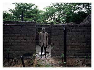 Village proche de Luela – Après six mois d'absence, Kiungu Mukumi vient de rentrer chez lui