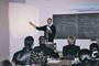 Pascal Charpentier et ses auditeurs dans un cours de l'INTEC